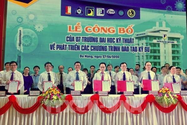 7 trường đại học kỹ thuật ký kết chương trình đào tạo kỹ sư  