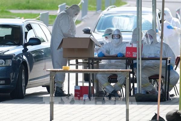 Ba Lan sản xuất bộ xét nghiệm virus SARS-CoV-2 cho kết quả trong 11 phút