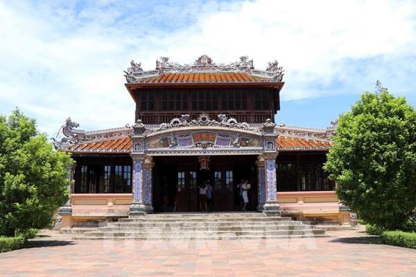 Độc đáo nghệ thuật khảm sành sứ ở Thái Bình Lâu trong Tử Cấm Thành