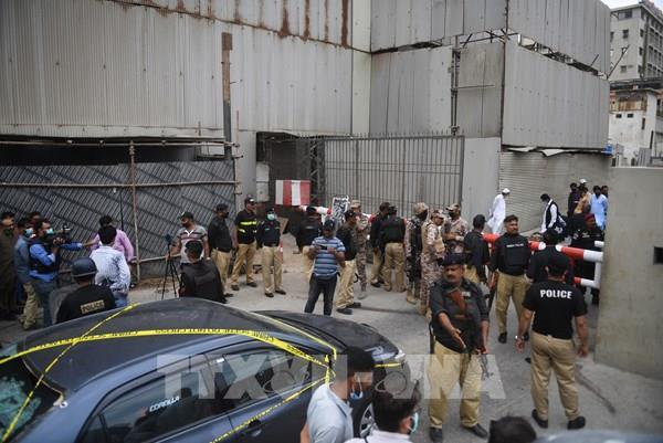 Thị trường chứng khoán Pakistan bị tấn công