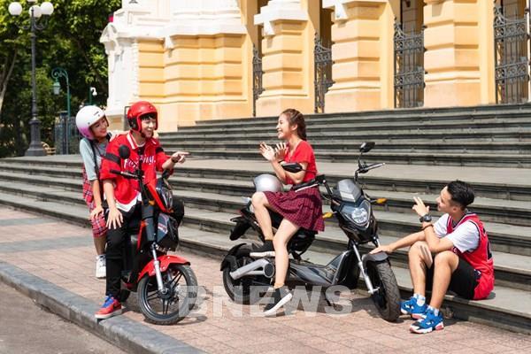 VinFast chi 430 tỷ đồng tặng pin cho 50.000 học sinh mua xe máy điện