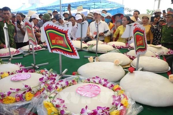 Lễ hội bánh chưng, bánh giày ở vùng biển Sầm Sơn