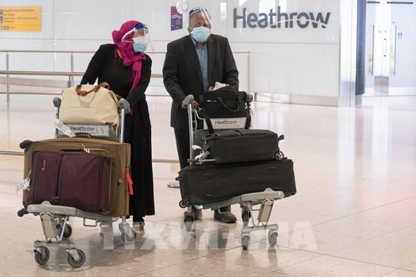 """Anh nới lỏng quy định cách ly cho du khách đến từ các nước có """"nguy cơ thấp"""""""