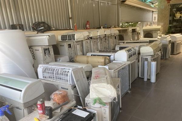 Hà Nội phát hiện lô hàng điện lạnh đã qua sử dụng không rõ chất lượng