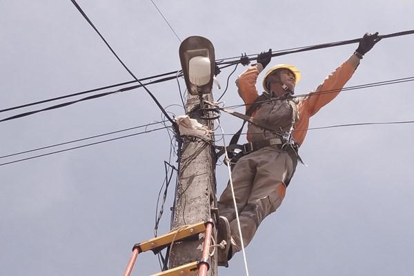 Điện lực miền Bắc kiểm tra sửa chữa kịp thời, tránh sự cố về điện