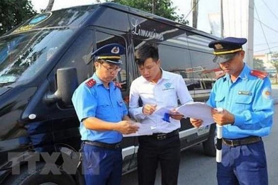 """Thanh tra giao thông vận tải Hà Nội ra quân xử lý xe hợp đồng """"trá hình"""""""