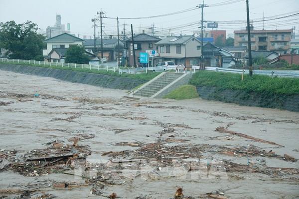 Số người thiệt mạng do mưa lũ tại Nhật Bản tăng cao