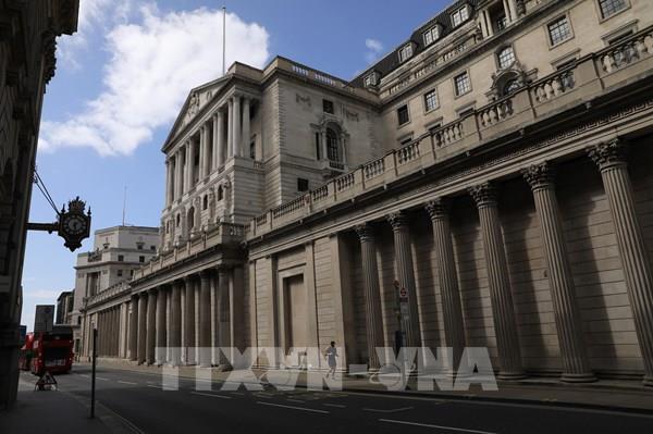 Các cựu chuyên gia tư vấn khuyến cáo về chi phí sử dụng nợ và lạm phát của Anh