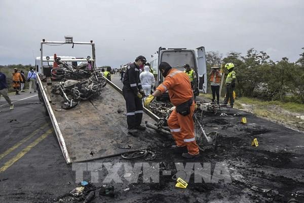 Cháy xe bồn chở dầu khiến 47 người thương vong