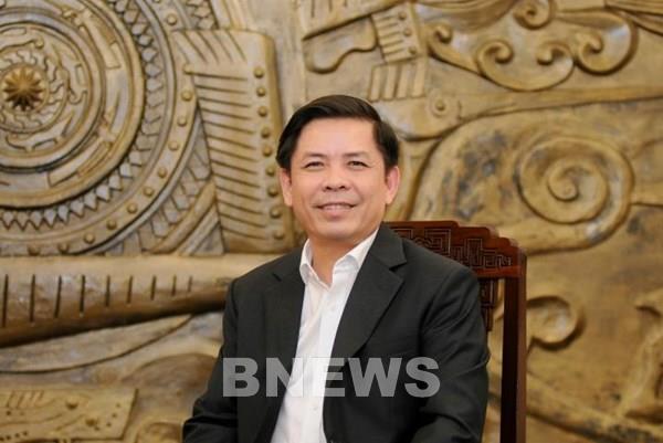Bộ trưởng Nguyễn Văn Thể chia sẻ điều gì với hành khách khi đi máy bay?
