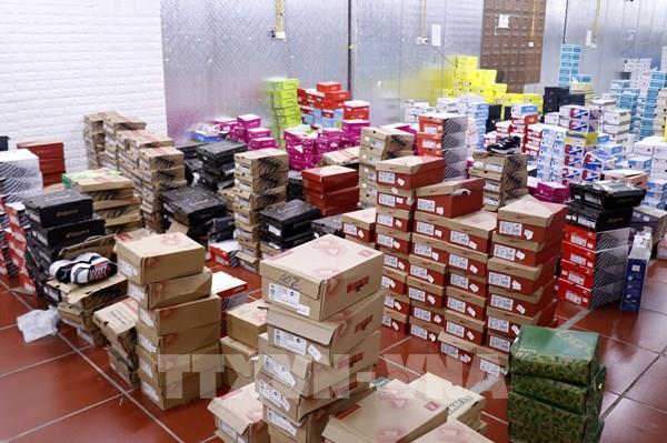 Có 237 mặt hàng được phát hiện tại kho chứa hàng lậu tại Lào Cai