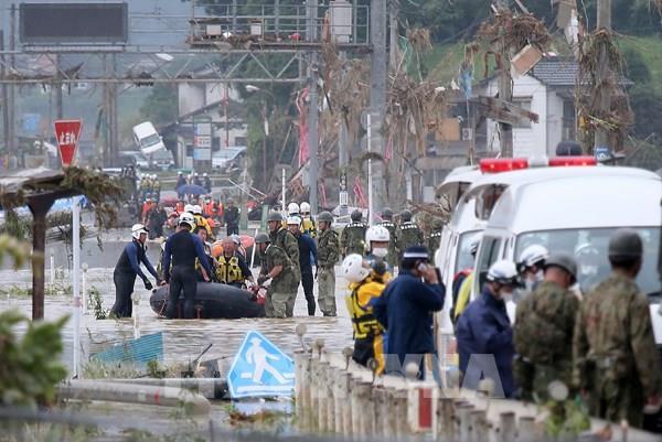 Nhật Bản phát cảnh báo khẩn cấp cao nhất về tình hình mưa lũ tại miền Trung