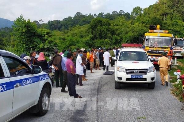Xe khách lao xuống vực tại Kon Tum chạy sai lộ trình