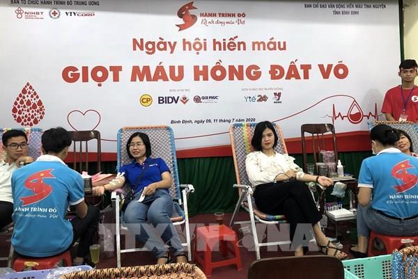 """Hành trình đỏ 2020: """"Giọt hồng đất võ Bình Định"""" tiếp nhận hơn 800 đơn vị máu"""