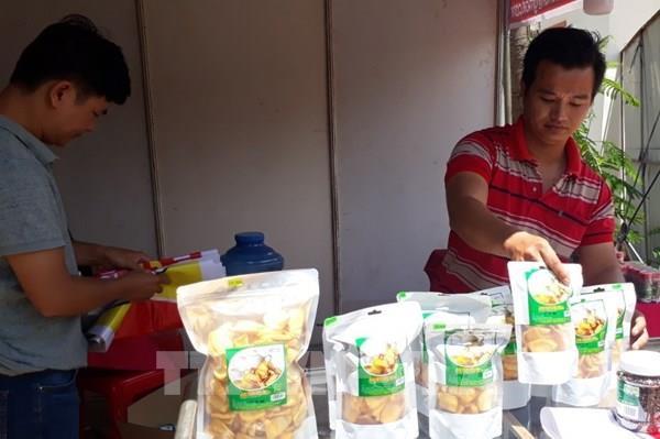 Đưa hàng Việt về biên giới Bình Phước