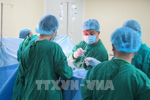 Bệnh viện Chợ Rẫy cử đoàn đến trực tiếp phẫu thuật cho các nạn nhân vụ tai nạn ở Kon Tum