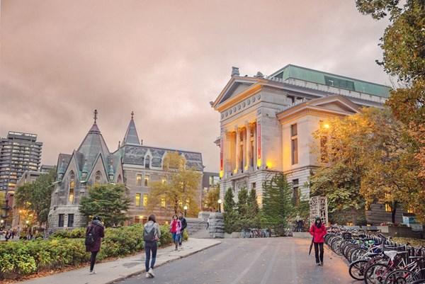 Canada sẽ tạo thuận lợi hơn cho sinh viên quốc tế học online