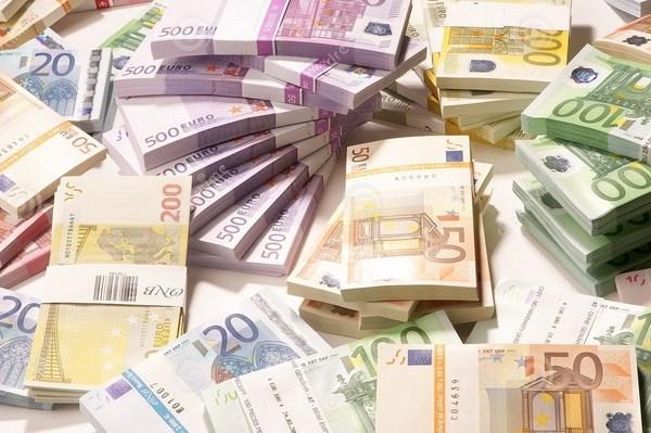 Cảnh sát châu Âu triệt phá đường dây làm tiền giả