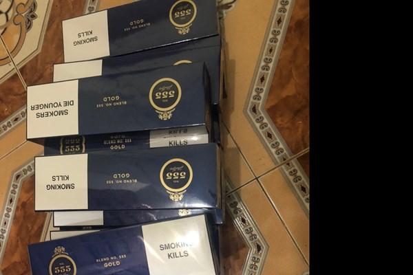Thu giữ 150 bao thuốc lá 555 nhập lậu