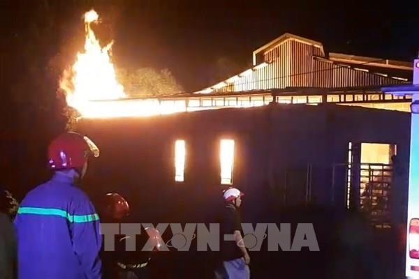 Cháy nhà kho sản xuất nhang trầm của Chùa Thanh Tâm