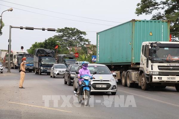 Thủ tướng yêu cầu bảo đảm an toàn giao thông trước diễn biến của dịch COVID