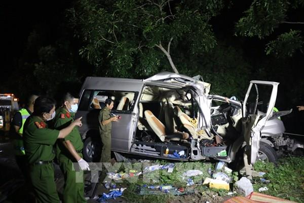 Bình Thuận: Xe khách va chạm xe tải, hàng chục người thương vong