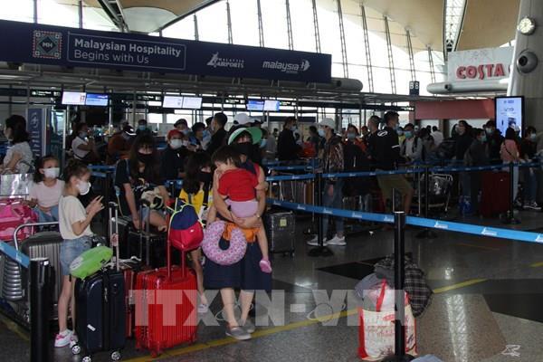 Đưa hơn 300công dân Việt Nam từ Malaysia về nước