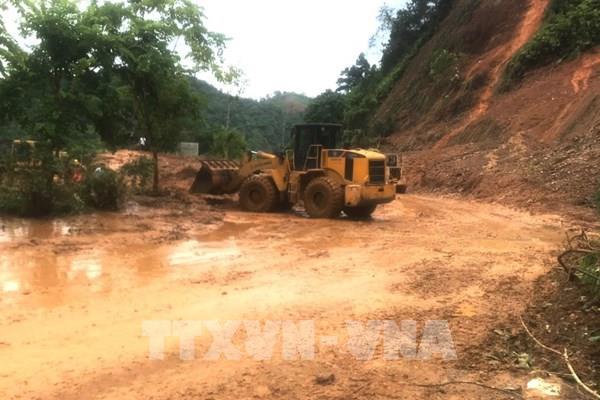 Thông xe Quốc lộ 2 Hà Giang - Hà Nội sau hơn 1 ngày ách tắc do sạt lở