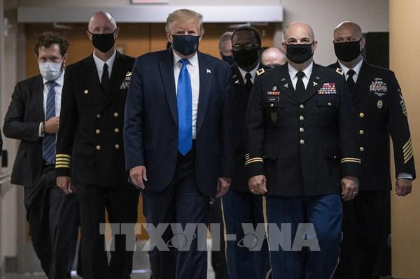 Tổng thống Mỹ kêu gọi người dân đeo khẩu trang, cảnh báo tình hình dịch xấu đi