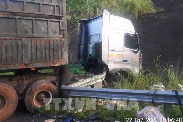Tai nạn trên cao tốc Nội Bài - Lào Cai khiến hai người tử vong