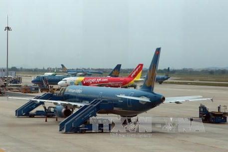 Xem xét việc duy trì giao thương hàng không với nước ngoài