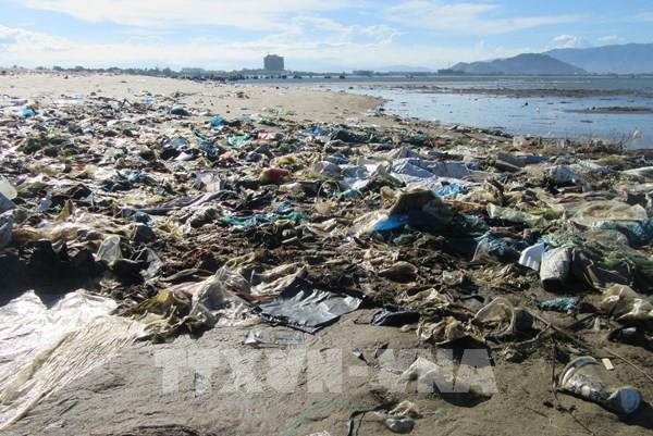 Ninh Thuận: Rác thải chưa được thu gom, xử lý gây ô nhiễm môi trường biển