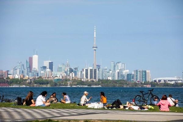 Nhóm chuyên gia khuyến nghị Chính phủ Canada tăng đầu tư vào cơ sở hạ tầng xanh