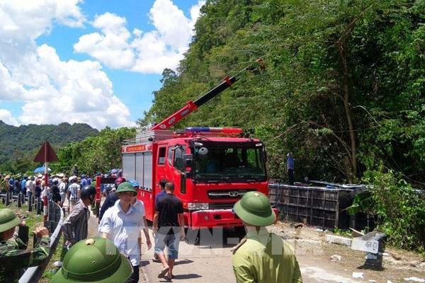 Khẩn trương khắc phục hậu quả, điều tra nguyên nhân vụ tai nạn giao thông ở Quảng Bình