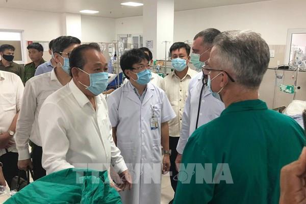 Bệnh viện Việt Đức điều Tổ cấp cứu vào hỗ trợ nạn nhân tai nạn giao thông ở Quảng Bình