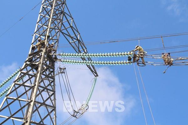 Nhiều giải pháp đảm bảo vận hành an toàn lưới truyền tải điện