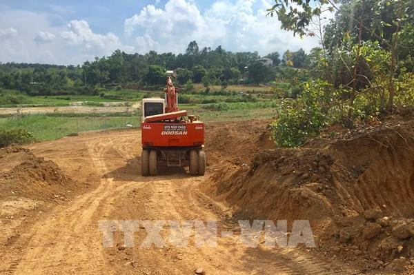 Biến tướng khai thác đất đồi ở Ba Vì (Hà Nội): Dừng các hoạt động tận thu đất đồi