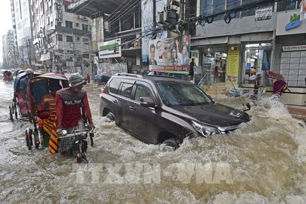 Lũ lụt tàn phá gần một nửa đất nước Bangladesh, 119 người thiệt mạng