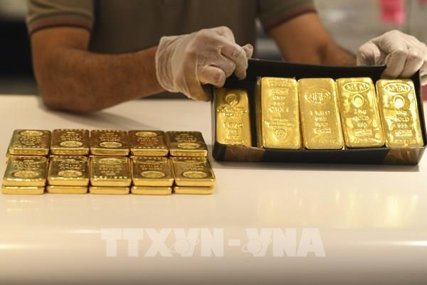 Giá vàng thế giới tiếp tục lập kỷ lục mới trong phiên 5/8