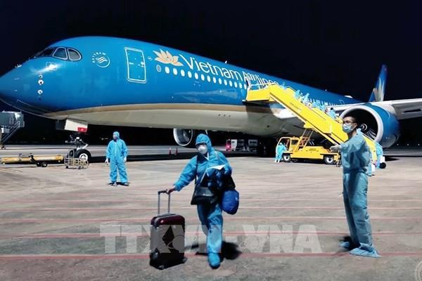 Dịch COVID-19: Đưa hơn 280 công dân Việt Nam từ Hoa Kỳ về nước an toàn