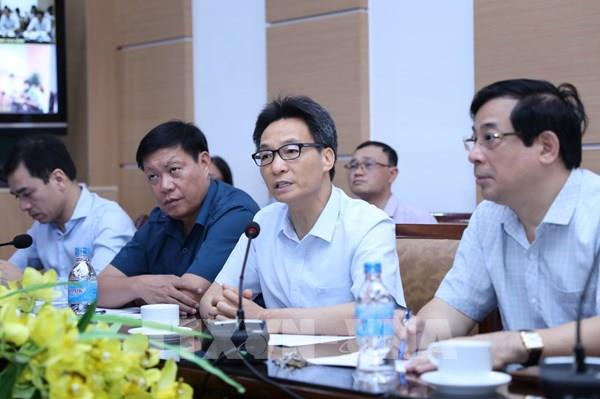 """Phó Thủ tướng Vũ Đức Đam: Ngành y tế cần """"chia lửa"""" với Đà Nẵng"""