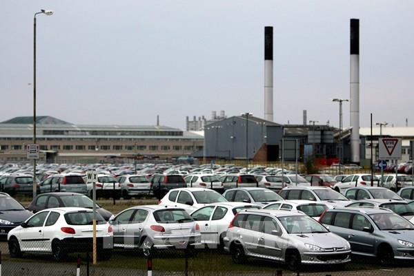 Dịch COVID-19: Tập đoàn sản xuất ô tô PSA của Pháp vẫn có lãi