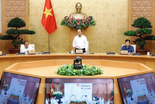 Thủ tướng: Nâng cao cảnh giác, tuyệt đối không chủ quan trước dịch COVID-19