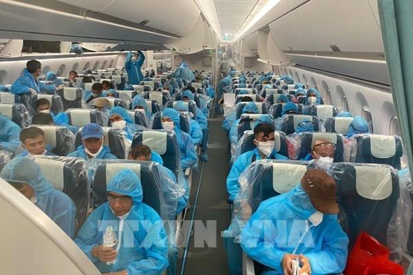 Chuyến bay mang trọn tình đất nước