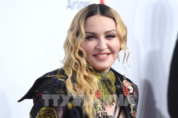 Instagram xóa bài đăng của ngôi sao Madonna do đưa về virus SARS-CoV-2