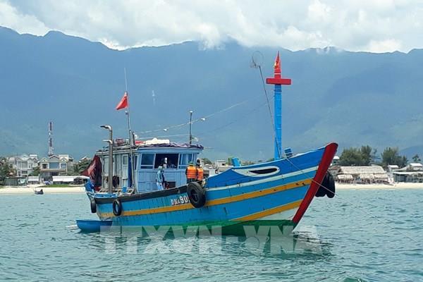Phát hiện tàu cá đưa người từ Đà Nẵng vượt biển trốn cách ly phòng dịch