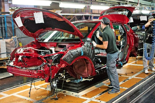 Sản lượng ô tô của Anh giảm xuống mức thấp nhất kể từ năm 1954