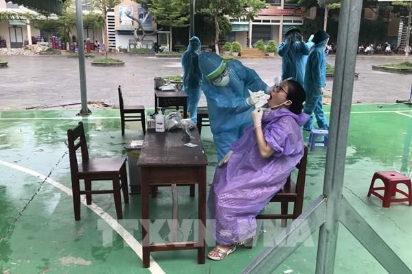 Ngành ngân hàng hỗ trợ thành phố Đà Nẵng chống dịch COVID-19