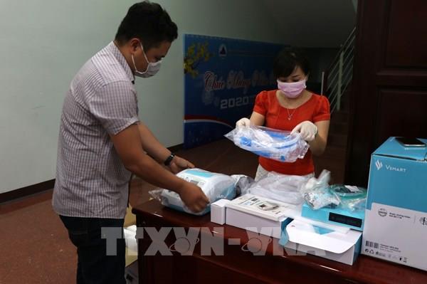 Vingroup trao tặng 100 máy thở VFS-510 cho Đà Nẵng
