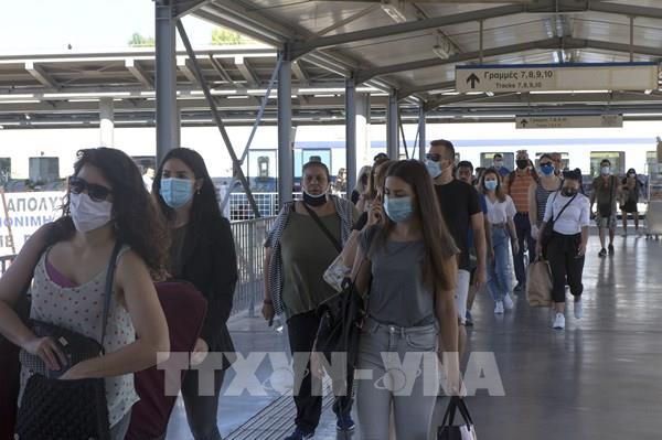 Hy Lạp bắt buộc đeo khẩu trang tại nơi công cộng